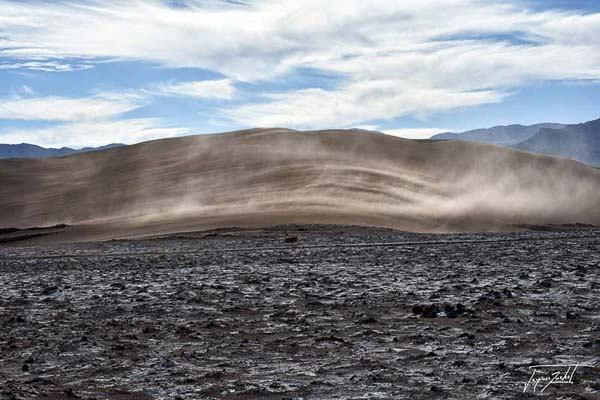 Photo of Chile, wind on the dunes, valle de la luna in the desert of atacama