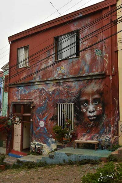 >wall painting in valparaiso