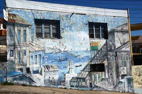 Photo of Chile, wall painting in Valparaiso