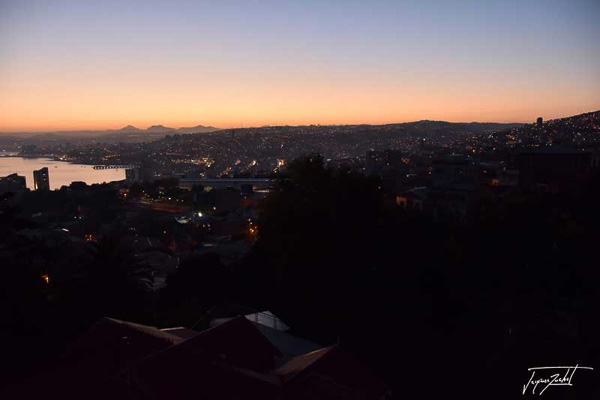 Photo of Chile, sunrise on valparaiso