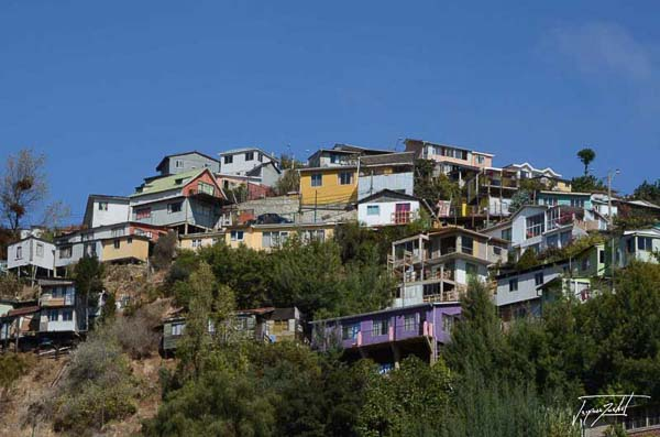 Photo of Chile, houses on the heights of valparaiso
