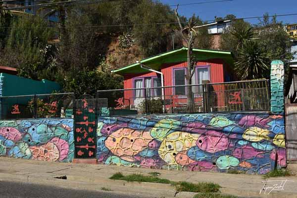 Photo of Chile, colorful house in Valparaiso
