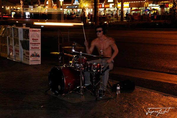 Musician playing on the Las Vegas Strip, Nevada