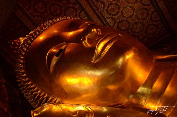 The Lying Buddha, Wat Pho Temple in Bangkok, travel to Thailand