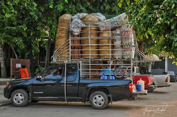 Pick up overloaded, Thailand picture