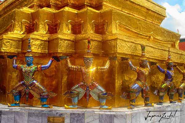 The Wat Phra Kaeo in Bangkok, details...