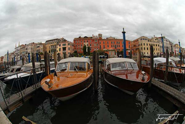 Boats and palaces on the Grand Canal of Venice